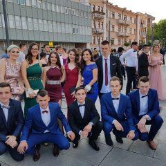 Foto vijest: Mladost i ljepota na glavnom kninskom trgugall-3