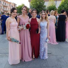Foto vijest: Mladost i ljepota na glavnom kninskom trgugall-6