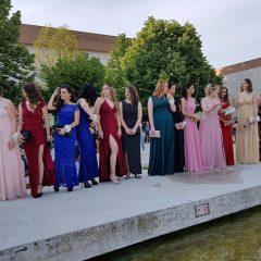 Foto vijest: Mladost i ljepota na glavnom kninskom trgugall-16