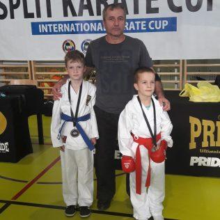 Milana Vukmirović iz Tigra zlatna juniorka na Karate kupu u Splitu; Bronca najmlađima – Ivanu Krvavici i Ivanu Ljubičićugall-2