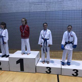 Nove tri medalje za Karate klub Kningall-0