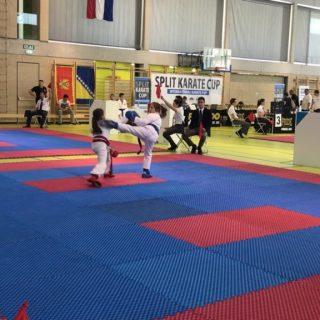 Nove tri medalje za Karate klub Kningall-4