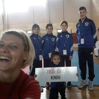 Pet medalja za najmlađe Divovce u Fojnicigall-0