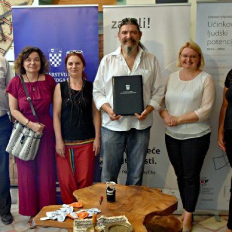 Bravo! Ministarstvo rada i Ekološka udruga Krka potpisali ugovor za projekt vrijedan 1,7 milijuna kunagall-0