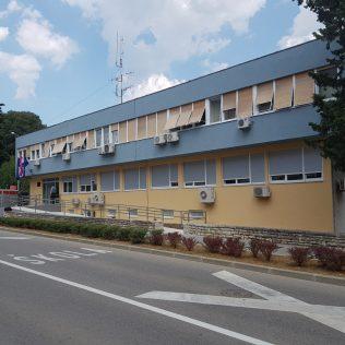 Ministar Božinović posjetio obnovljenu zgradu Policijske postaje Kningall-1