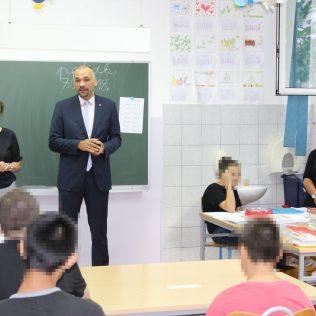 Uručeni udžbenici kninskim osnovnoškolcima s poteškoćama u razvojugall-3