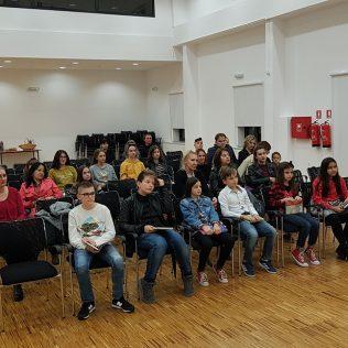 Ana Kovačević i Marija Kulušić pobjednice ovogodišnjeg gradskog natjecanja u čitanju naglasgall-1