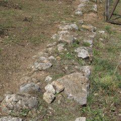Završeni  ovogodišnji radovi konzervacije na položaju mletačke vojarne konjice u podgrađu kninske tvrđavegall-3