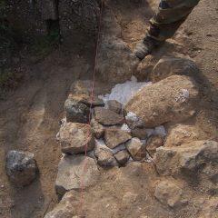 Završeni  ovogodišnji radovi konzervacije na položaju mletačke vojarne konjice u podgrađu kninske tvrđavegall-9