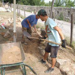 Završeni  ovogodišnji radovi konzervacije na položaju mletačke vojarne konjice u podgrađu kninske tvrđavegall-2