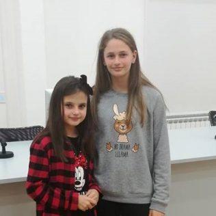 Ana Kovačević i Marija Kulušić pobjednice ovogodišnjeg gradskog natjecanja u čitanju naglasgall-0