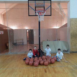 KK Knin dobio vrijednu donaciju od HKS-a; Pozivaju se djeca i mladi da se upišu u košarkaški klubgall-3
