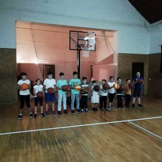 KK Knin dobio vrijednu donaciju od HKS-a; Pozivaju se djeca i mladi da se upišu u košarkaški klubgall-0