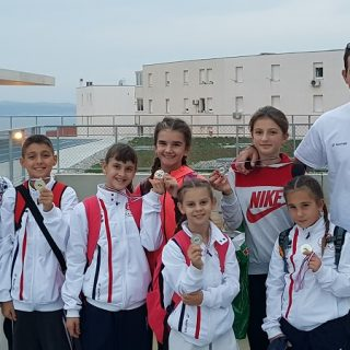 Karate klub Knin osvojio šest medalja na Prvenstvu Dalmacijegall-5