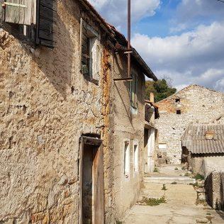"""Jeste li se ikad prošetali """"Stranom"""" – zaboravljenim starim dijelom grada?gall-5"""