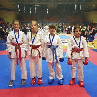 Dva odličja za Karate klub Kningall-0