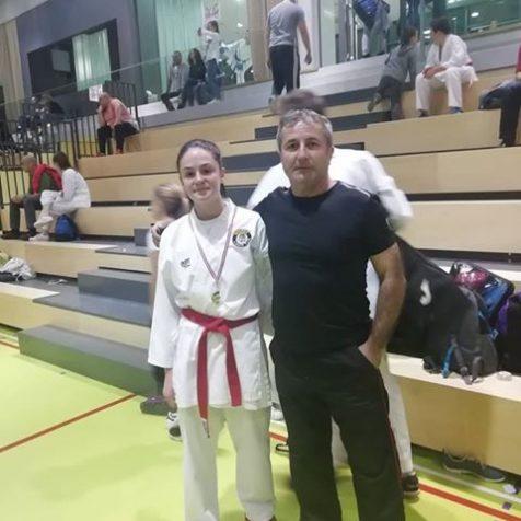 Četiri medalje Karate kluba Tigar u Splitu: Dva zlata Milane Vukmirović, bronce za Jovanu Đekanović i Ivana Krvavicugall-1