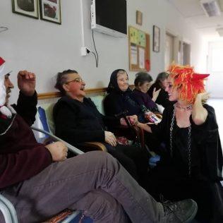 Najmlađim Kninjanima podijeljeno 500 poklona; Sveti Nikola posjetio i starije i nemoćnegall-5