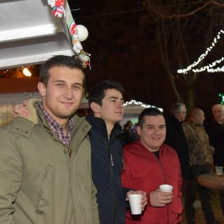 Advent Report: Badnjak i Božić na Adventu u Kninugall-2