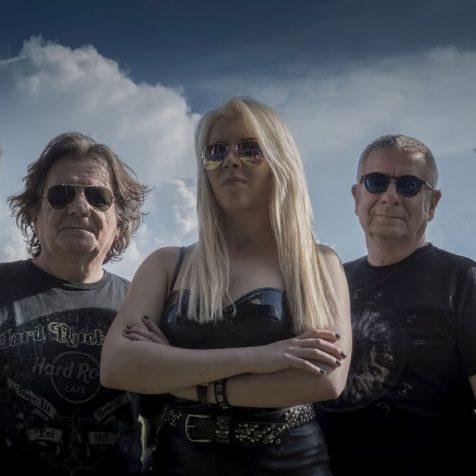 Advent u Kninu – Večeras dva koncerta: Teška industrija i Jella & Jeleninigall-0