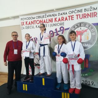 Nove četiri medalje za Karate klub Kningall-3