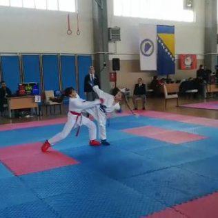 Nove četiri medalje za Karate klub Kningall-4