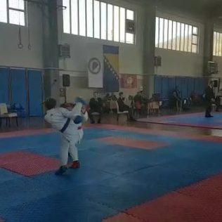Nove četiri medalje za Karate klub Kningall-7