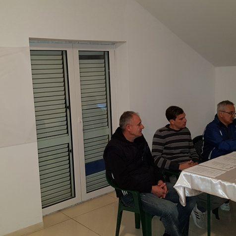 Održana redovna skupština NK Dinara; Skupština prepolovljena zbog neplaćanja članarinegall-0