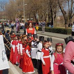 Velika foto galerija: Mala maškarana povorka oduševila kreativnim maskamagall-4