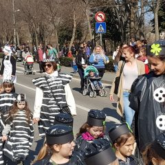 Velika foto galerija: Mala maškarana povorka oduševila kreativnim maskamagall-15