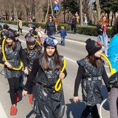 Velika foto galerija: Mala maškarana povorka oduševila kreativnim maskamagall-54