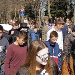 Velika foto galerija: Mala maškarana povorka oduševila kreativnim maskamagall-87