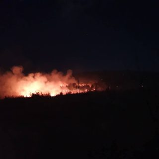 Foto: Požar kod bivše vojarne u Pađenimagall-2