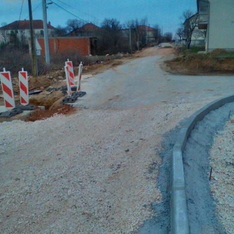Idući tjedan kreće asfaltiranje dijela Suronjine; Obnova gotova do polovice srpnjagall-1