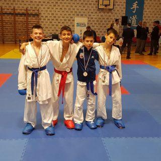 Pet medalja Karate kluba Knin na Kupu Jadranagall-2