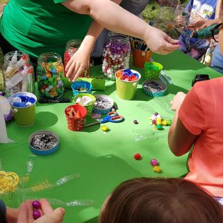 Foto: Održan zabavno edukativni program za djecu u povodu Dana planeta Zemljegall-6