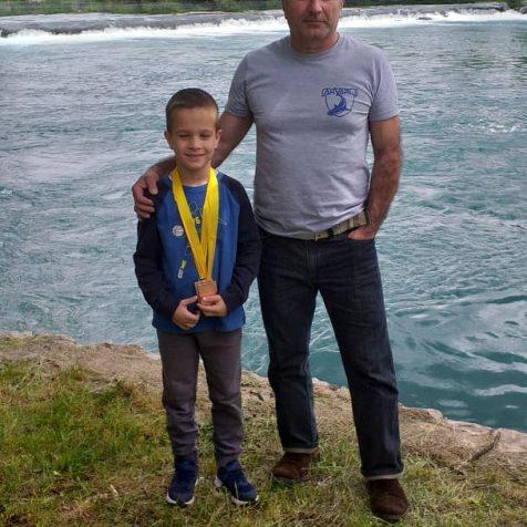 Ivan Krvavica osvojio srebro i broncu na međunarodnom Karate kupu u Bihaćugall-0