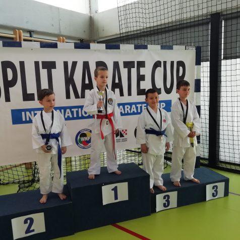Četiri medalje Karate kluba Tigar na Kupu Dalmacijegall-1
