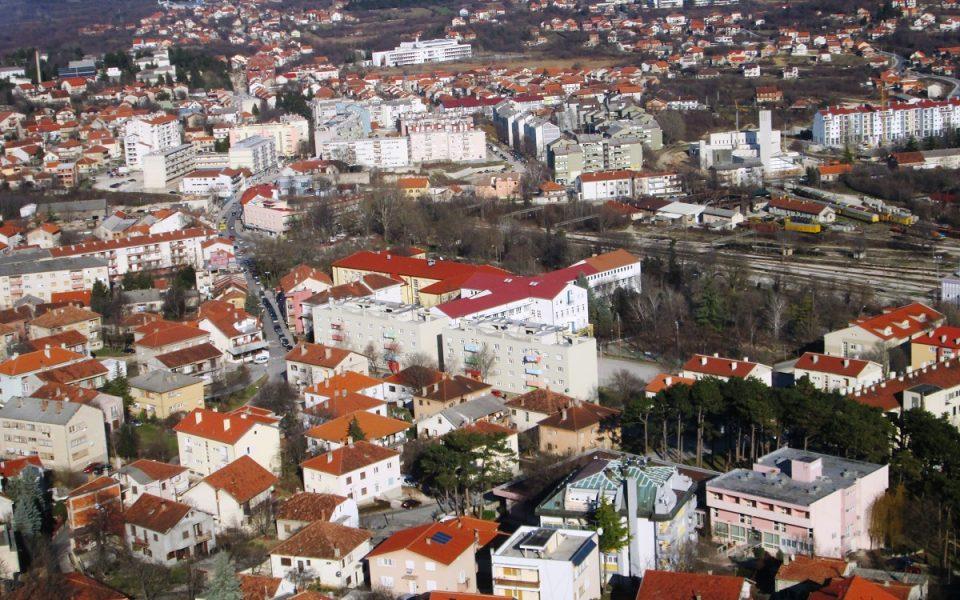 http://huknet1.hr/wp-content/uploads/2019/06/Slika-313-Pogled-na-grad-i-Kninsko-polje-foto-Ivica-Šimić-960x600_c.jpg