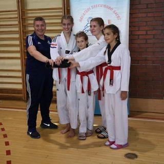 Četiri nova majstora u taekwondo klubu DIV KNINgall-1