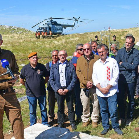 Na Dinari otkriven spomenik hrvatskim braniteljimagall-0
