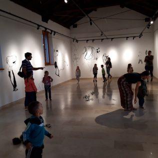Foto: Održano predstavljanje slikovnice i otvorena izložba instalacijagall-12