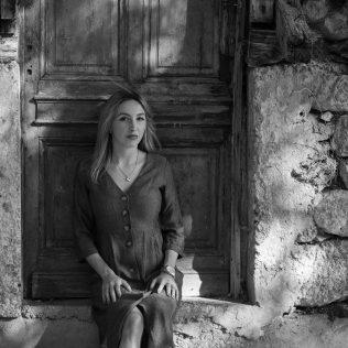 "Foto session: ""U starom Kninu""; Model: Slađana Sovićgall-9"