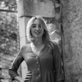 "Foto session: ""U starom Kninu""; Model: Slađana Sovićgall-19"