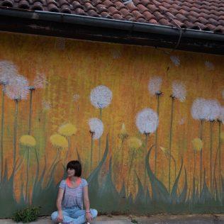 Na inicijativu Grada umjetnica Amanda Tica oslikala motoričke staze ispred školagall-11