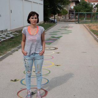 Na inicijativu Grada umjetnica Amanda Tica oslikala motoričke staze ispred školagall-3