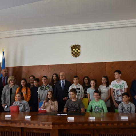 Gradonačelnici Knina i Novog Sada dogovarali suradnju gradova na znanstvenom, obrazovnom i gospodarskom planugall-1