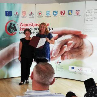Crveni križ Knin dodatno educirao još 12 djelatnica koje se brinu o starijim osobamagall-2