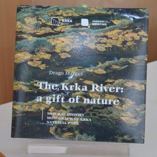 """Predstavljena monografija NP Krka """"Rijeka Krka: dar prirode""""gall-0"""