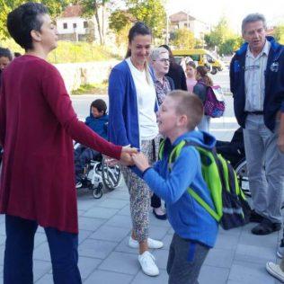 Održano mirno okupljanje u znak podrške djeci s teškoćama u razvojugall-3